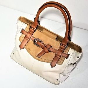 Tignanello Bags - Tignanello Gorgeous Leather Purse